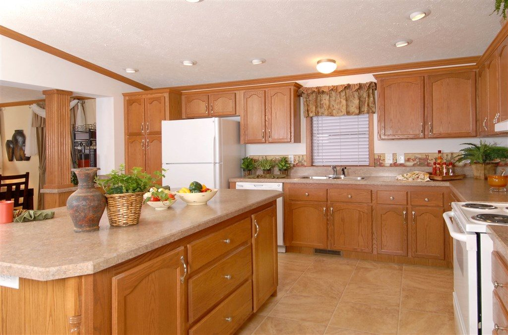 Commodore Savanna II AW420A Kitchen 2