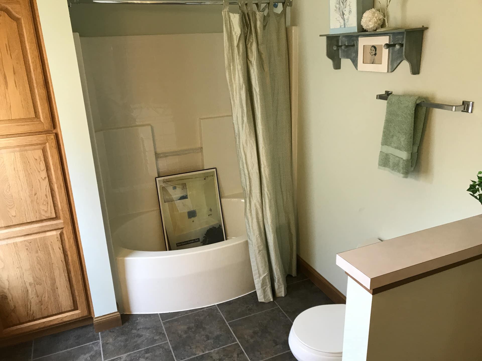 Unibilt Monticello Henderson Bathroom 1