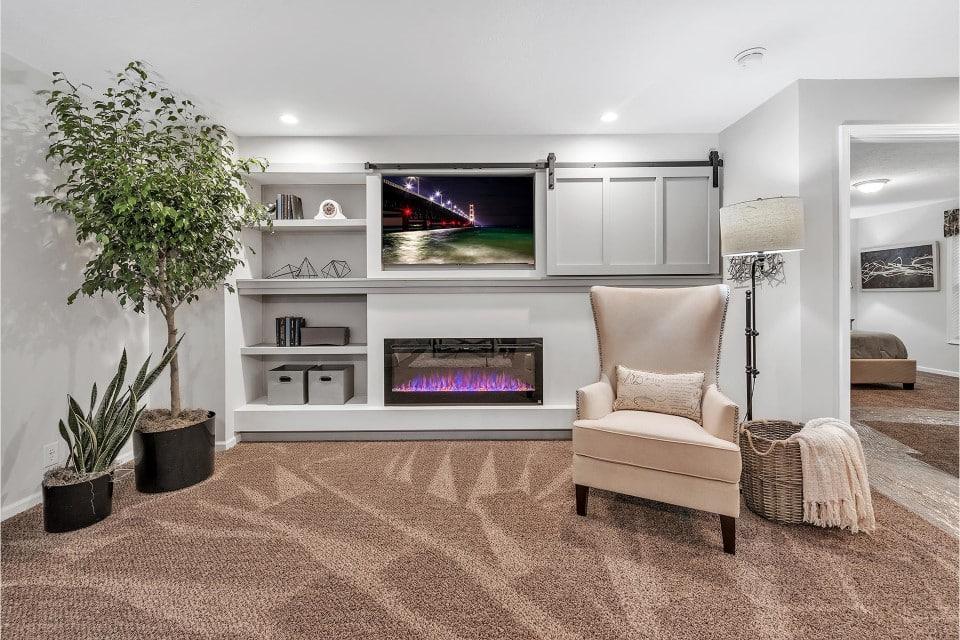 Champion 3272 214 Living Room 4